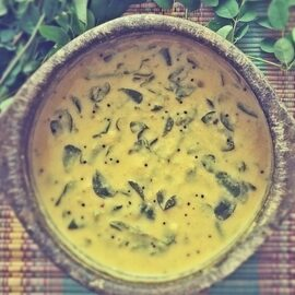MURUNGAI ILAI MOLAGOOTAL|DRUMSTICK LEAVES/MORINGA LEAVES STEW